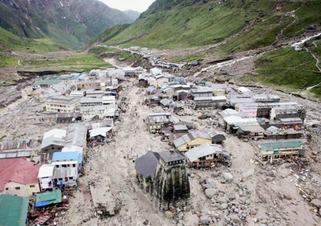 Natural_disaster_upon_Sri_Kedarnath_Temple[1]
